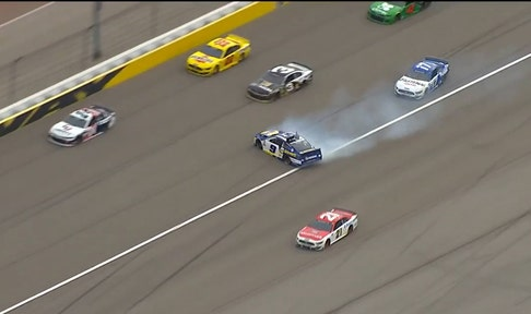 Chase Elliott gets loose and makes full 360 without crashing in Las Vegas