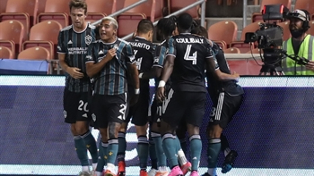 Efrain Alvarez buries last-second winner to give L.A. Galaxy 2-1 victory over Whitecaps