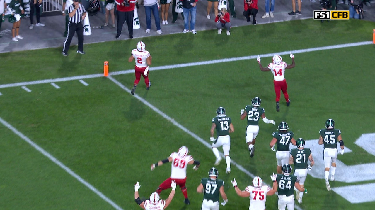 Adrian Martinez punches it in from three yards out, Nebraska takes 20-13 lead over Michigan State