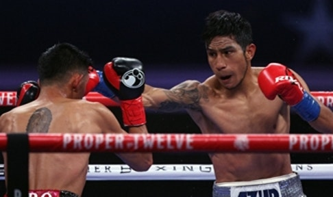 Rewind: Eduardo Ramirez stops Miguel Flores by 5th-round TKO in Featherweight Eliminator