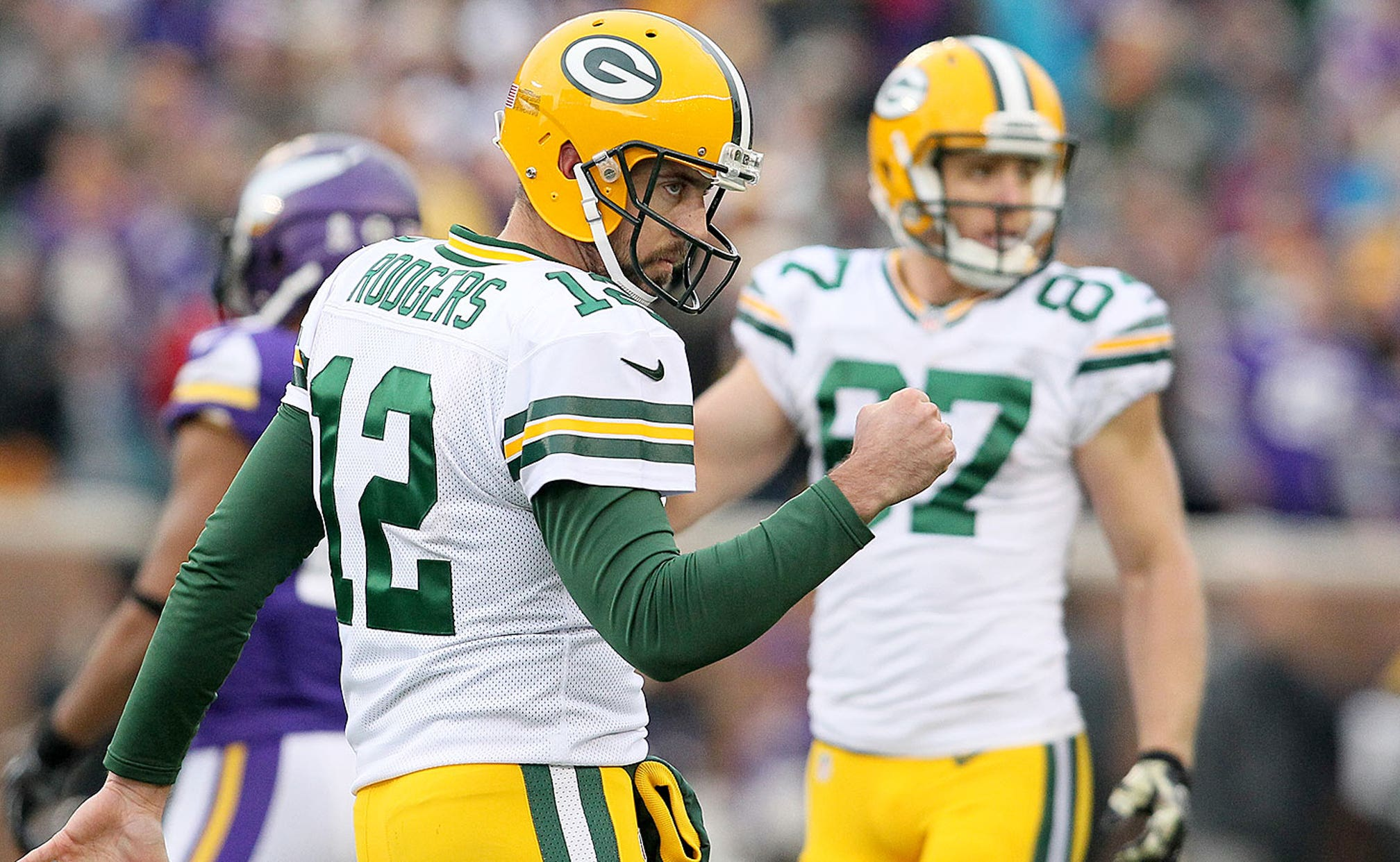 Aaron Rodgers Rips Idiot Trolls Who Read Into His Grape Soda Choice Fox Sports