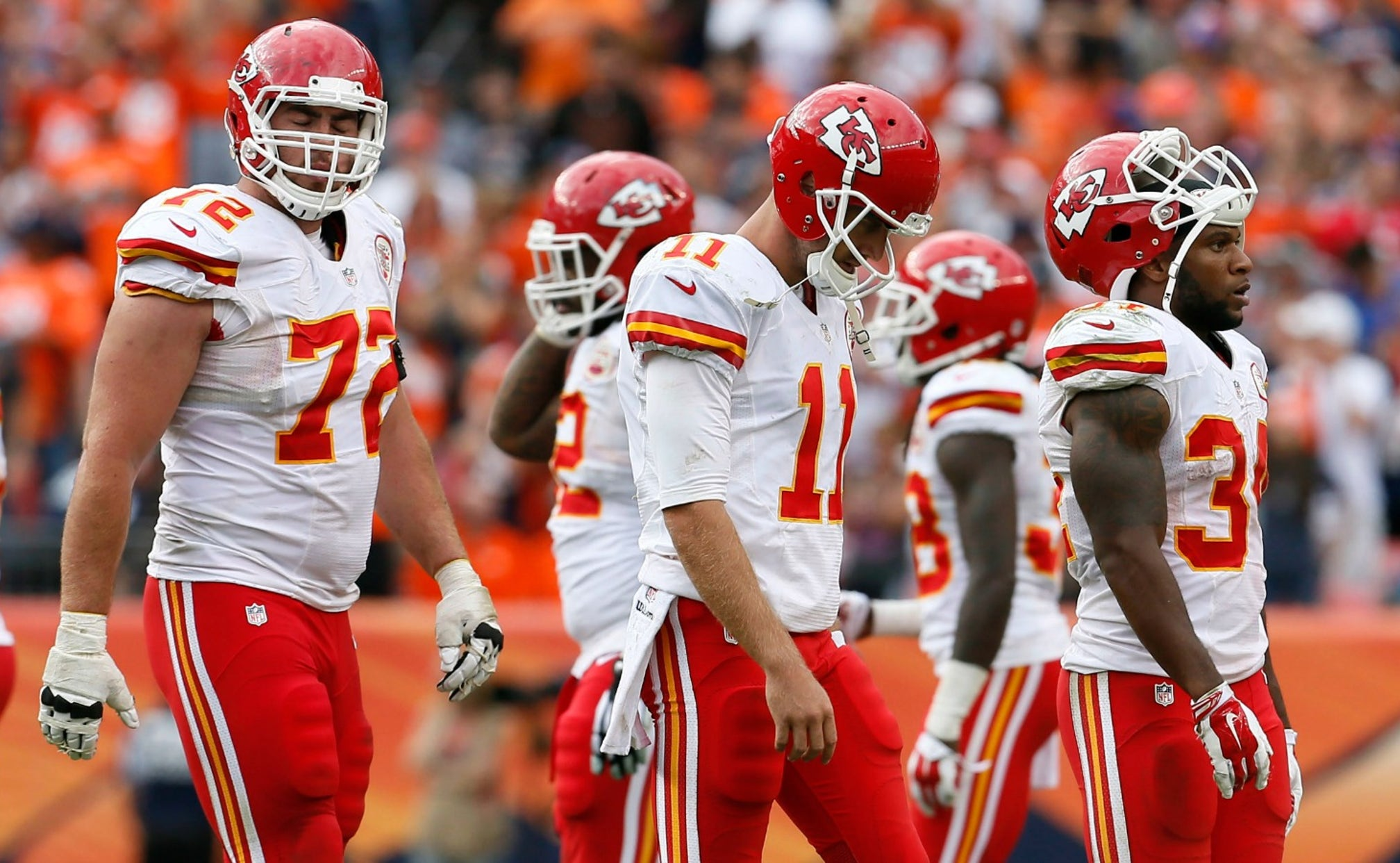 Injury Depleted Chiefs Beat By Broncos 24 17 Fox Sports