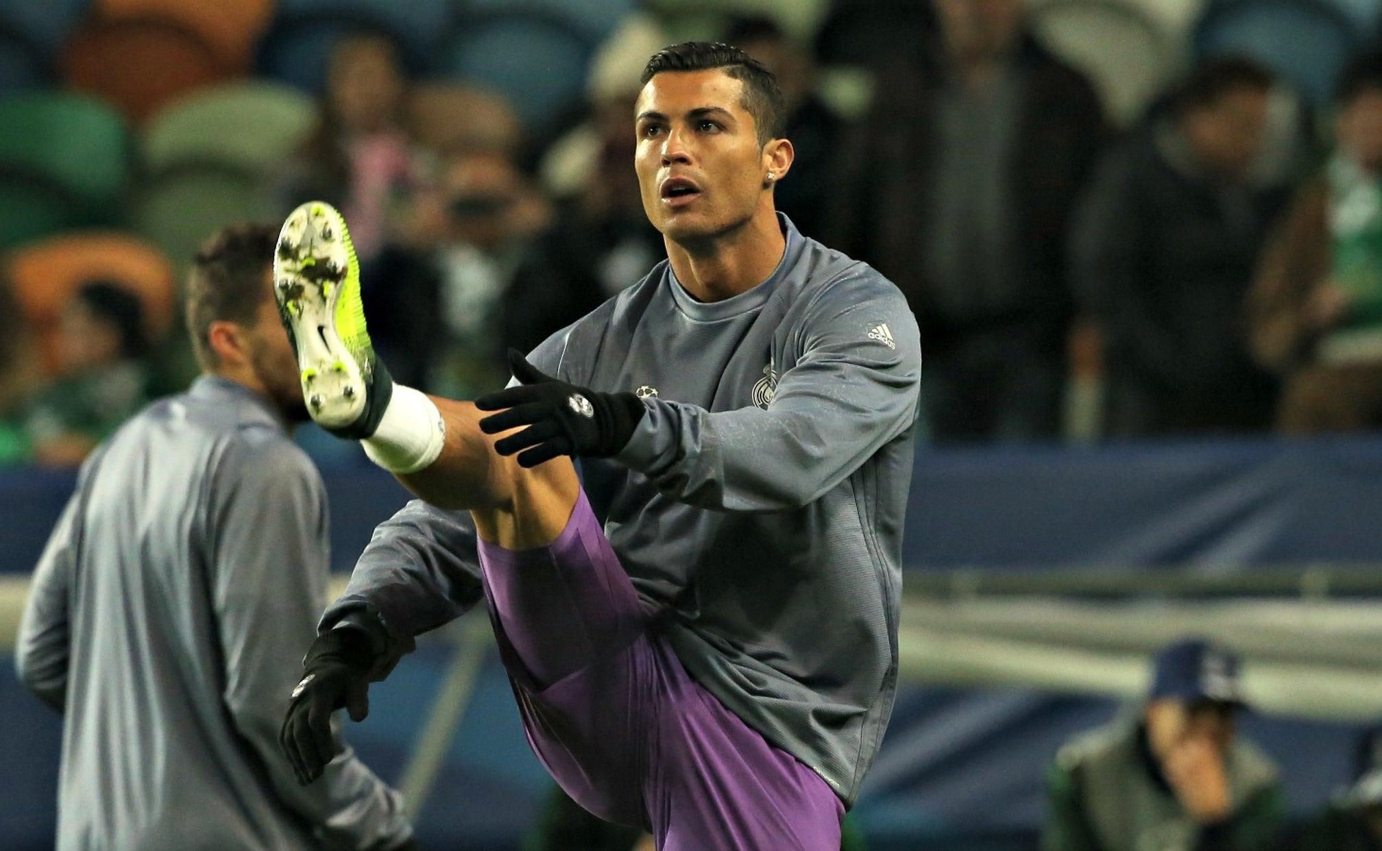 Cristiano Ronaldo Posts Video Of Bizarre Leg Workout On Instagram Fox Sports