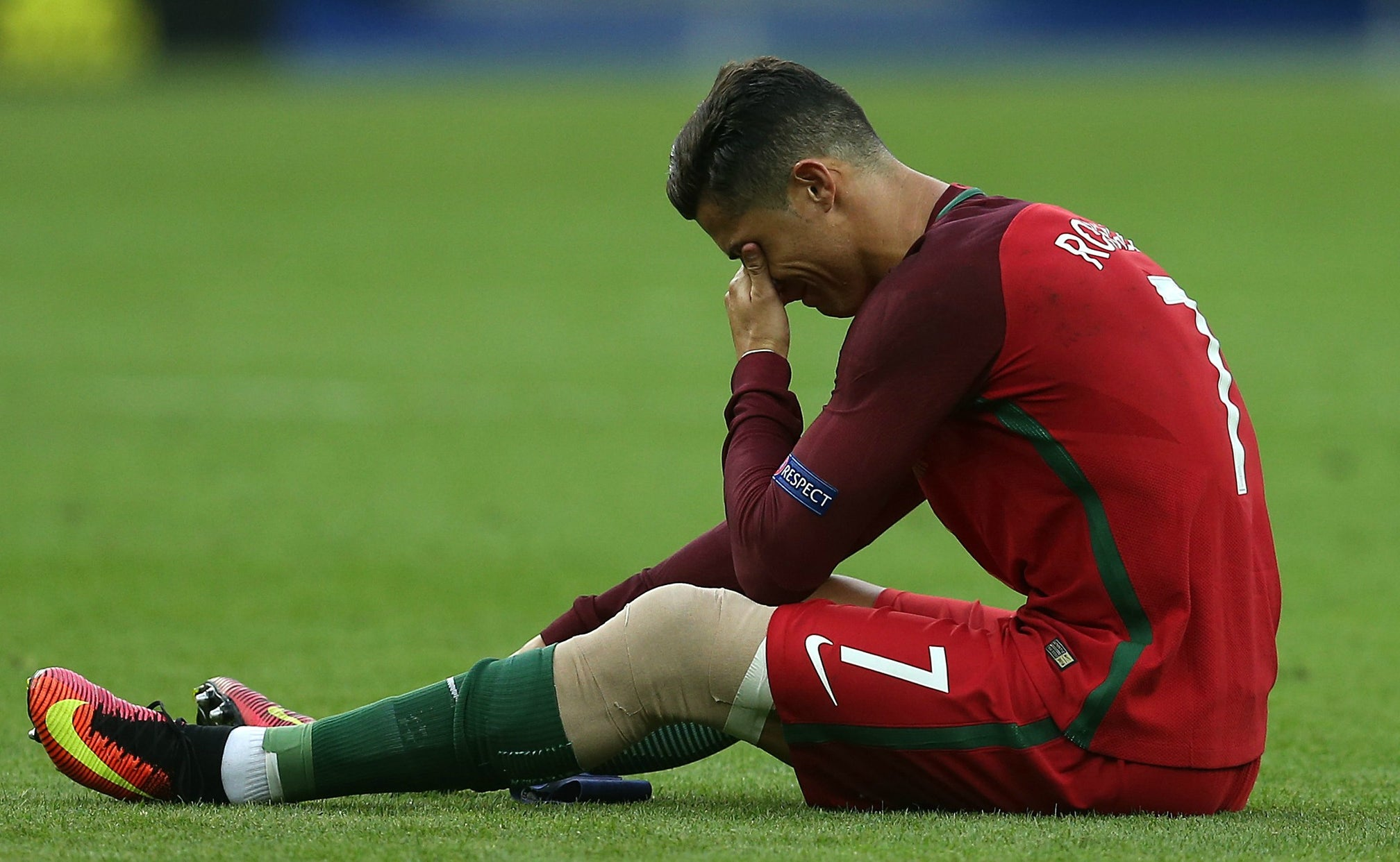 Cristiano Ronaldo Forced Out Of Euro Final With Knee Injury Fox Sports