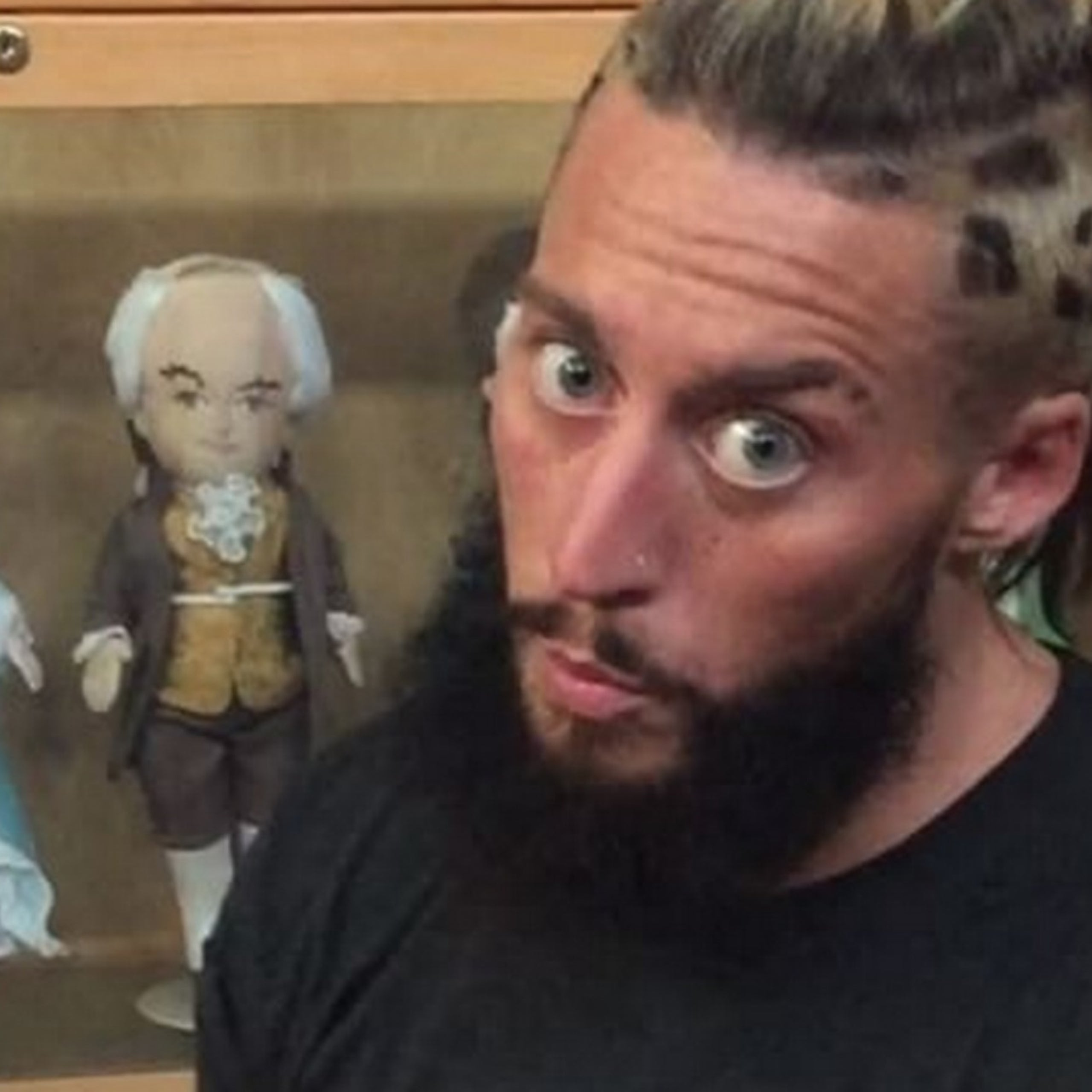 Wwe S Enzo Amore Enjoys Christmas In August At Bruce Springsteen Concert Fox Sports